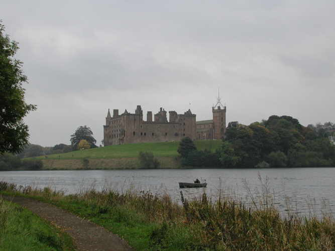 Linlithgow Palace and Linlithgow Loch